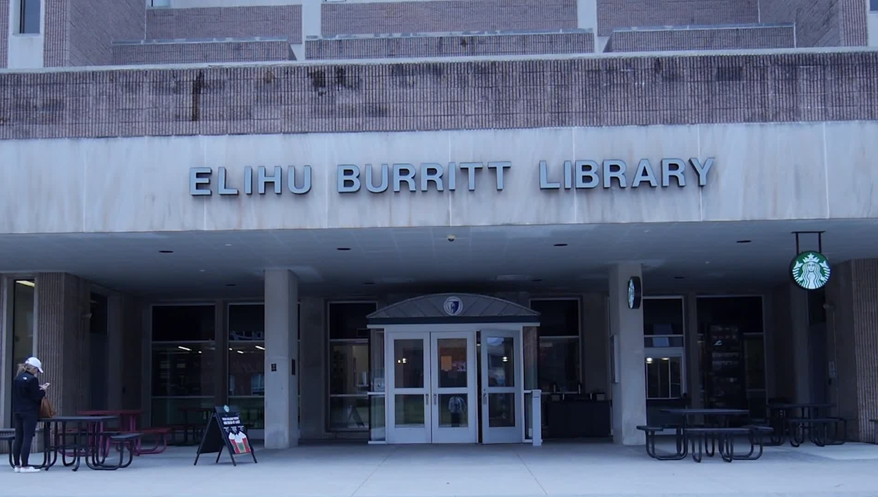 Elihu Burritt Library Course Reserve Program