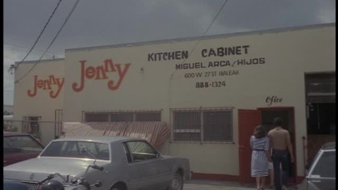 Thumbnail for entry Jenny Kitchen Cabinet, de Miguel Arca e hijos