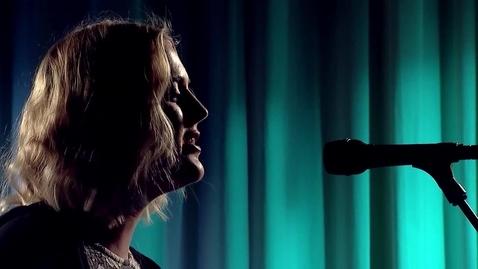 ARKET-TV: Om Musik med Julia Carlsson