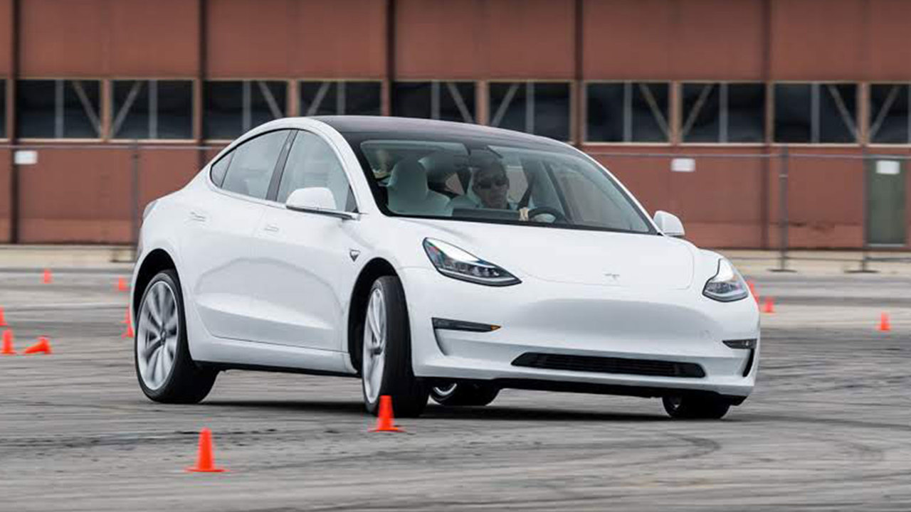 9 Reasons Why the Tesla Model 3 Performance Is A True M3 Rival