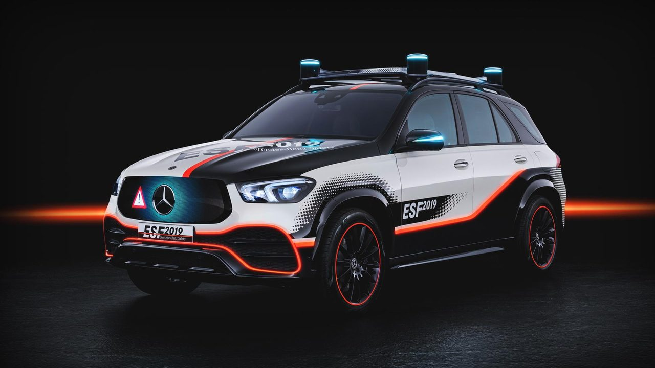 8 Reasons Why the Mercedes-Benz ESF 2019 Is the Safest Car in the World