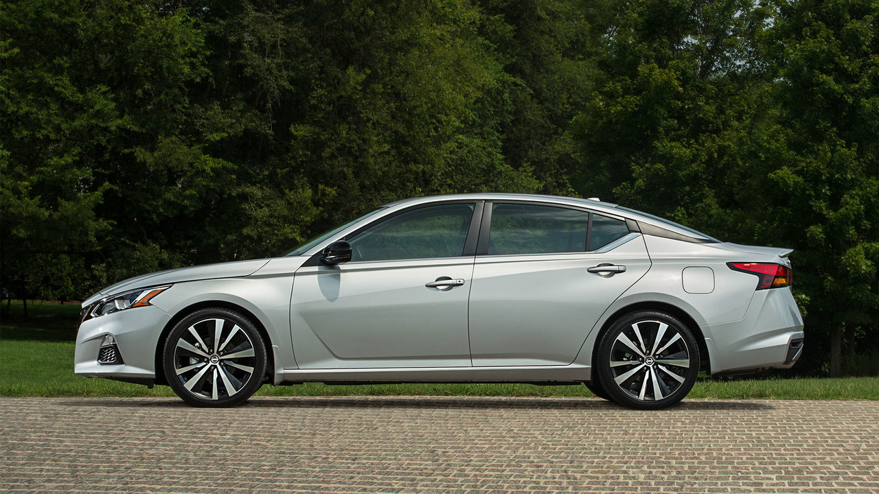 Behind the Wheel of Nissan's Accord-Challenging Midsize Sedan