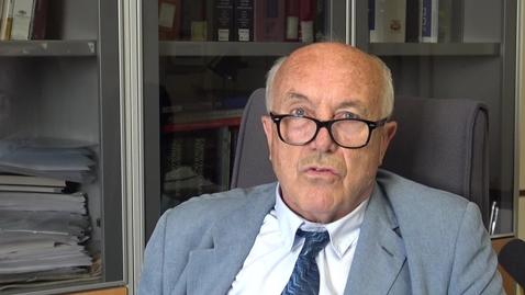 Thumbnail for entry Ricordo Prof. Dalla Volta gt