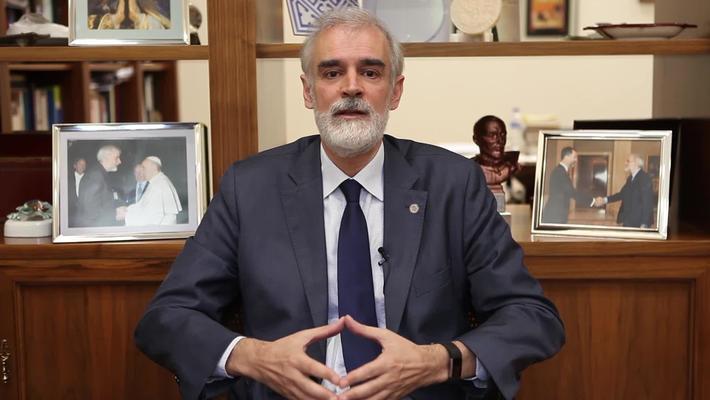 Graduaciones 2020.  P. Julio L. Martínez Martínez, SJ.
