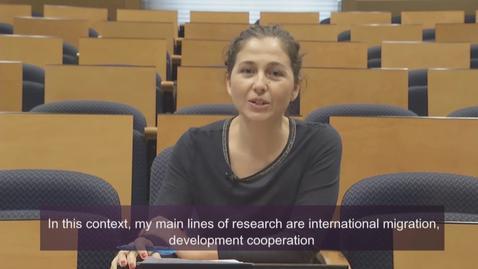 Miniatura para la entrada Drª. María José Castaño Reyero.  Subject: Globalization and Transnational Movements