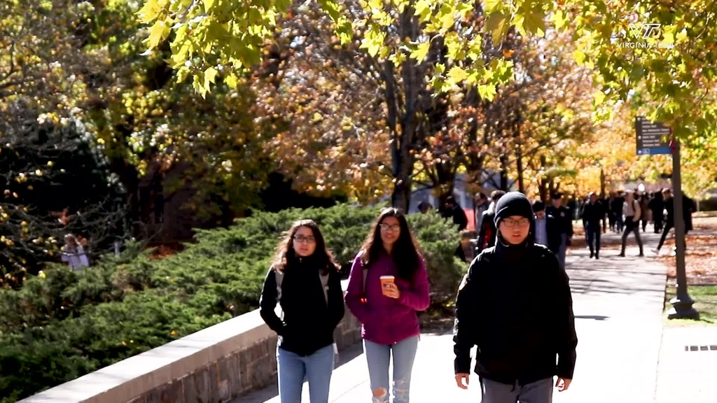 Students enjoy a Fall day on campus