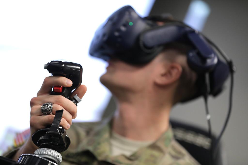 Alumnus returns to Blacksburg with VR-based pilot training program