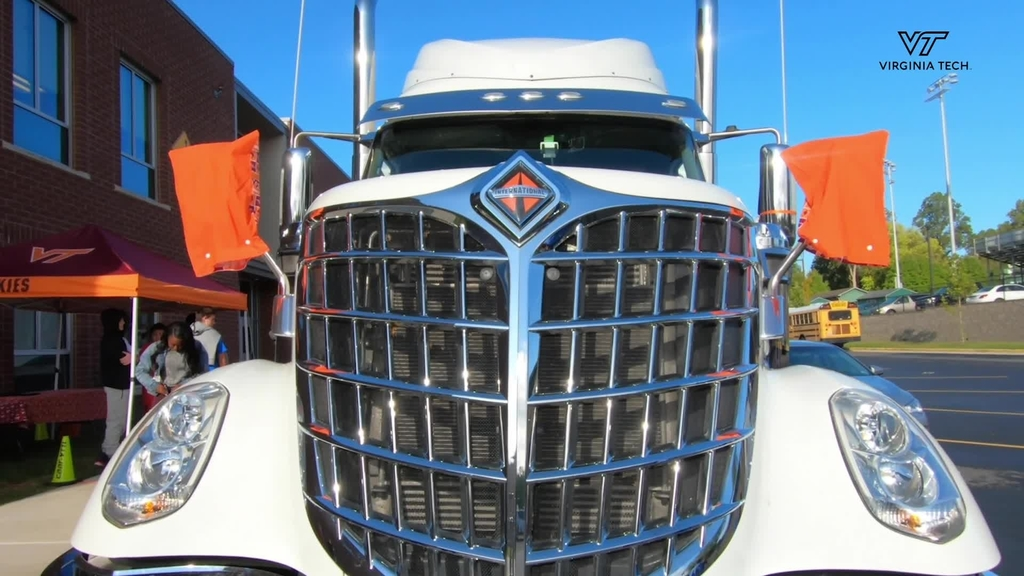 VTTI brings Share the Road with Trucks program to Northern Virginia