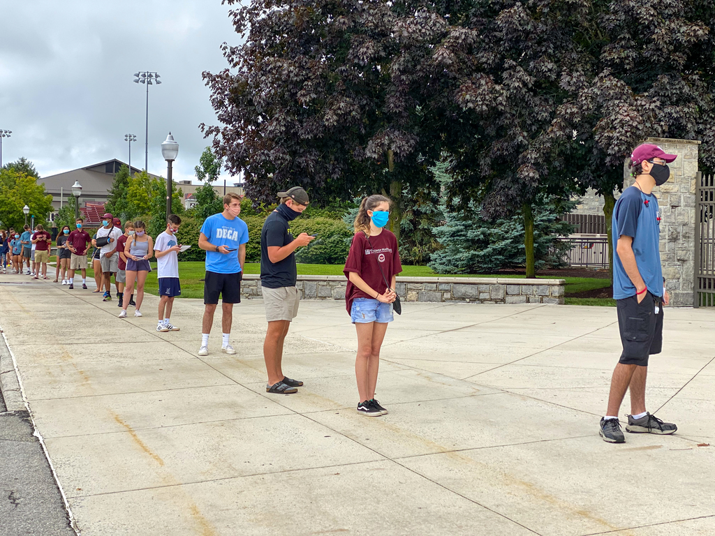 On-campus students participate in COVID testing