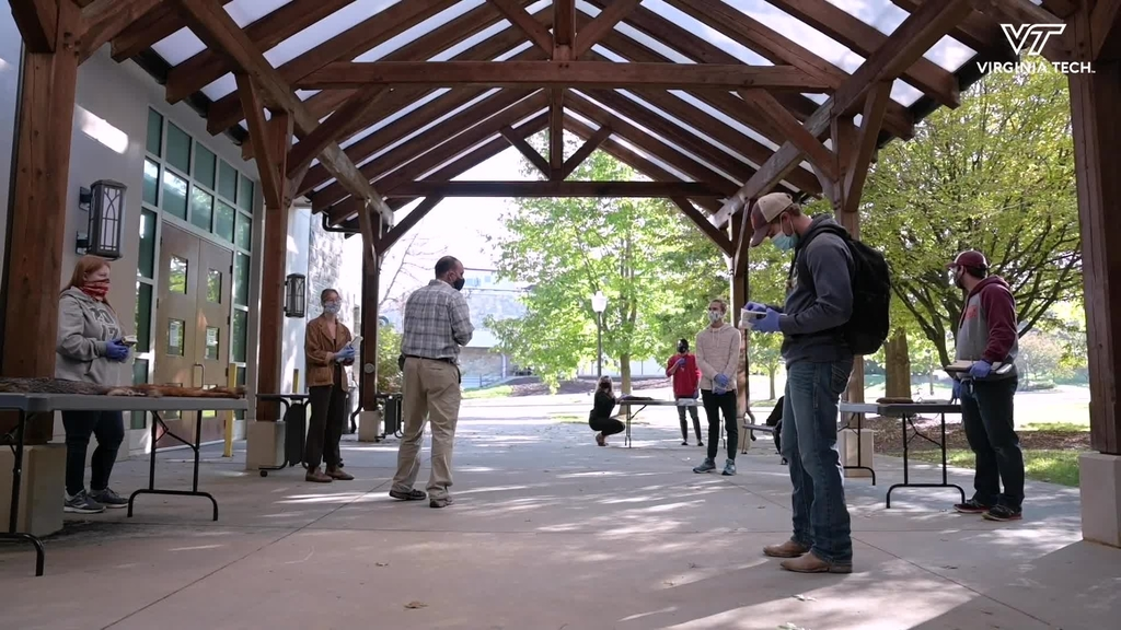Mammalogy Class Utilizes Outdoor Spaces To Study Carnivores