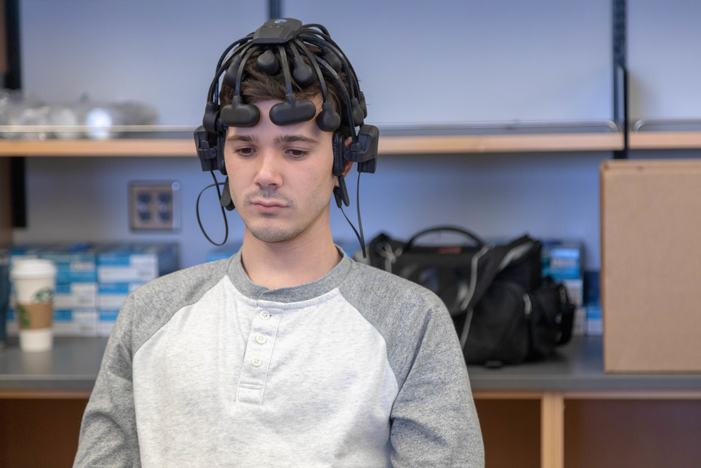 Neuroscience students play Pong with their brains