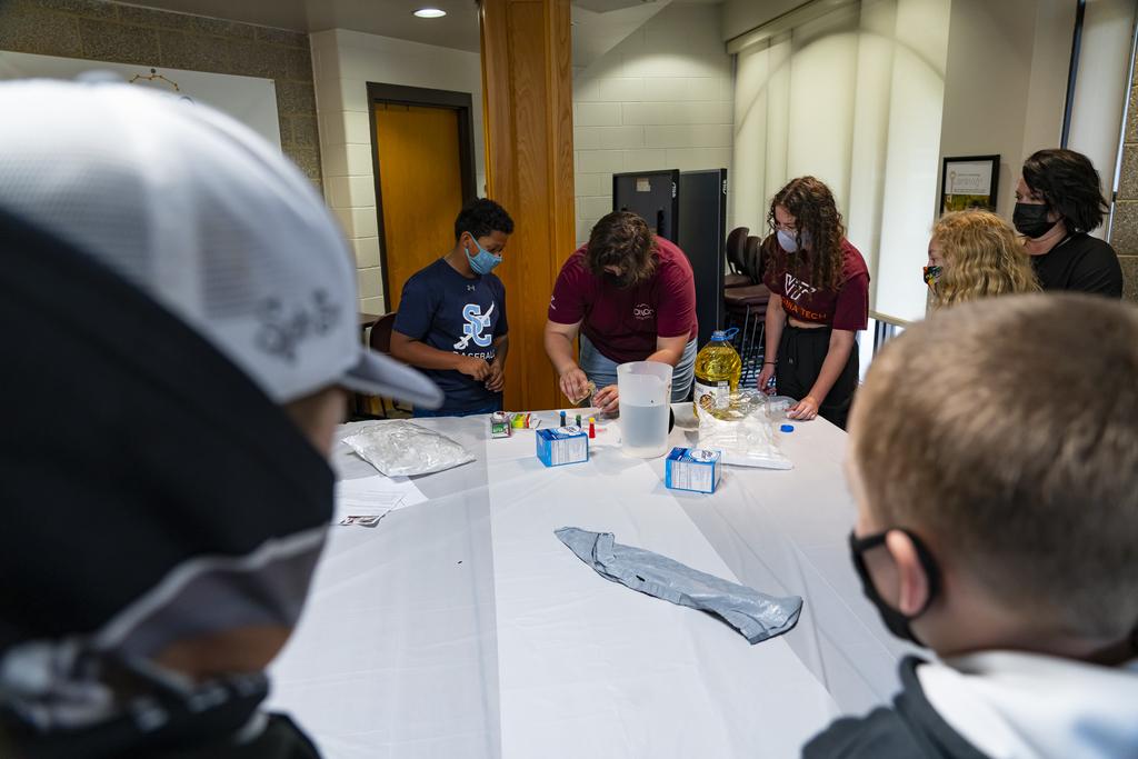 Virginia Tech Science Festival ignites scientific interest in elementary students