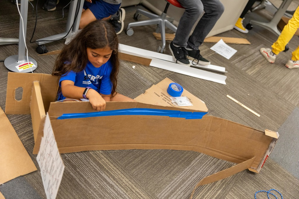 Middle schoolers design, build arcade games as part of annual ICAT Maker Camp