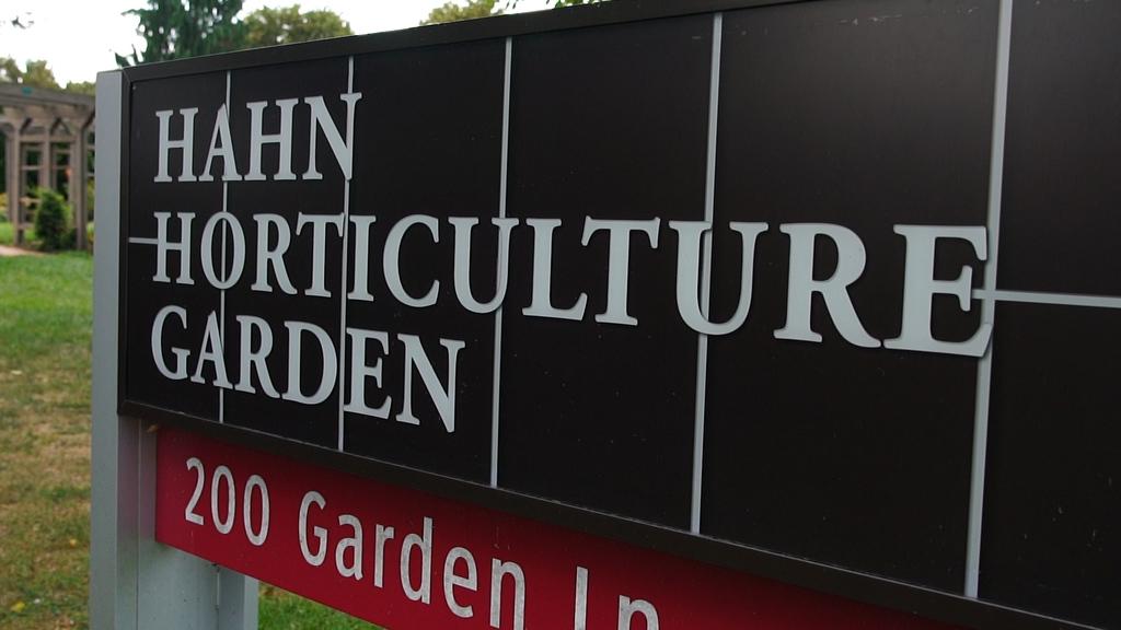 A stroll through Hahn Horticulture Garden