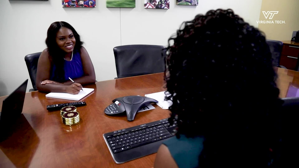 Student interns reflect on experiences working in university finance, higher education administration