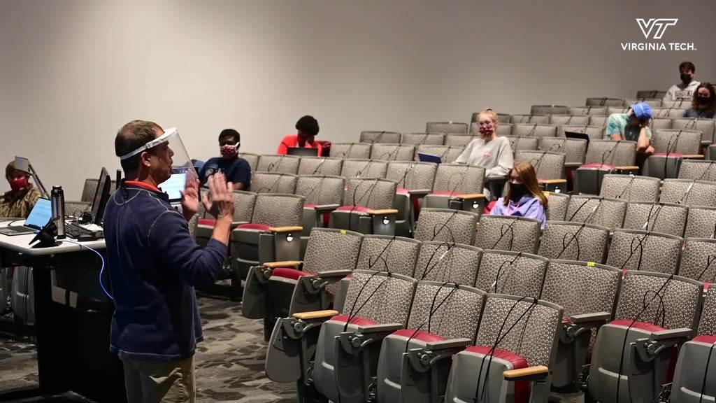 Freshmen Hokies Get Help With First Year Experience Program