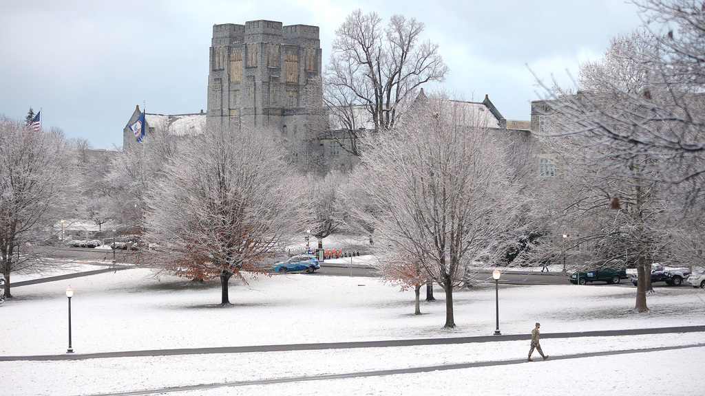 Overnight snow adorns Blacksburg campus