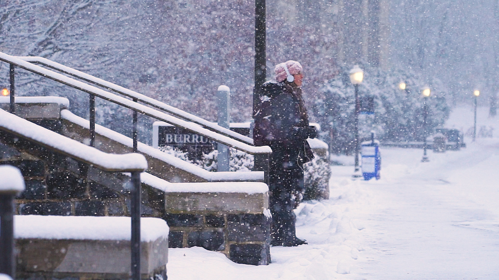 Morning snow blankets Blacksburg campus