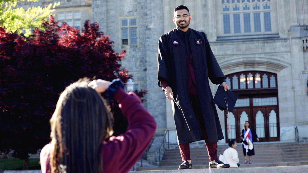 Iconic Traditions: Photographing Hokie Grads